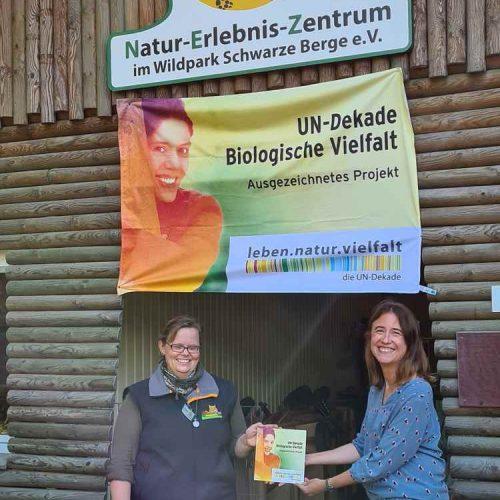 Auszeichnung UN-Dekade Biologische Vielfalt, Frau Jülich und Frau Sewig