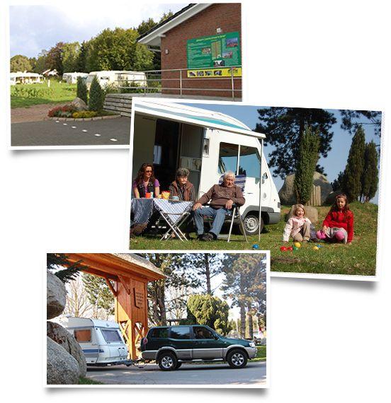 Wohnmobil mit Familie beim Wildpark Camping im Wildpark Schwarze Berge
