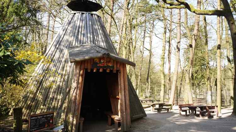 Köhlerhütte im Wildpark Schwarze Berge