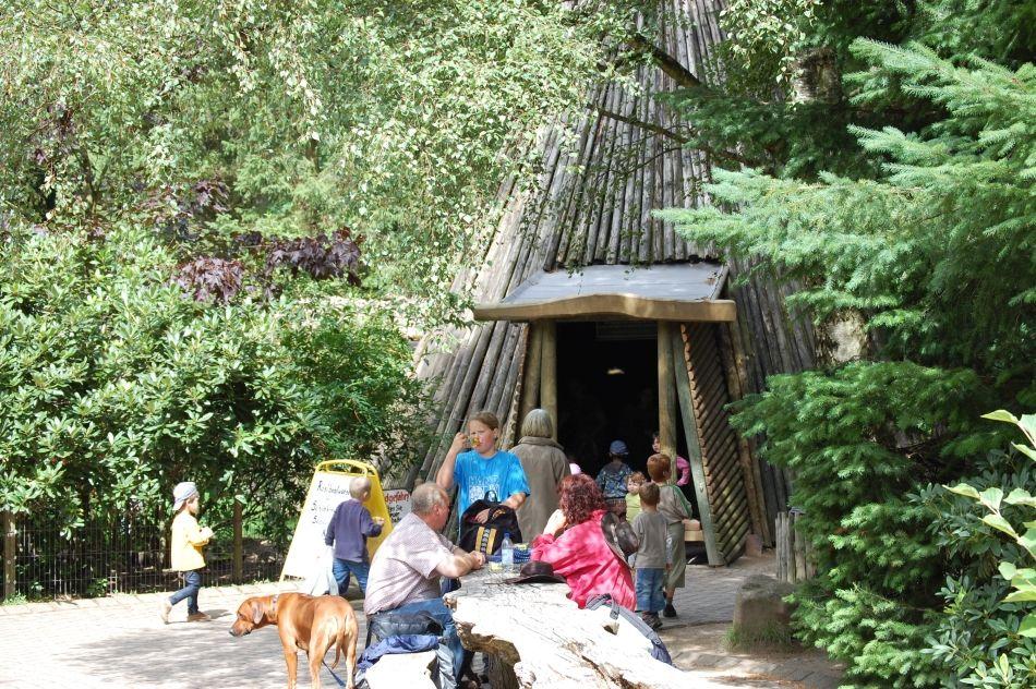 Köhlerhütte mit Möglichkeit zum Selbergrillen im Wildpark Schwarze Berge