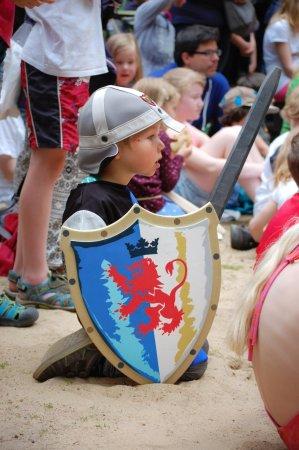 Mittelalter-Spektakel Kinder werden zu Knappen Wildpark Schwarze Berge