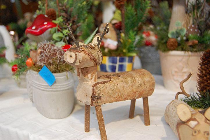 Holztier in der Kunshandwerkerhalle, kreativ, Markt, Holztiere