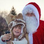Weihnachtsmannfuttertour im Wildpark Schwarze Berge, Weihnachtsmann, Kind, Schnee, Tiere