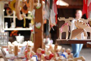 Herbstmarkt in der Kunsthandwerkerhalle im Wildpark Schwarze Berge, Weihnachtsdeko, Markt, stöbern, kaufen